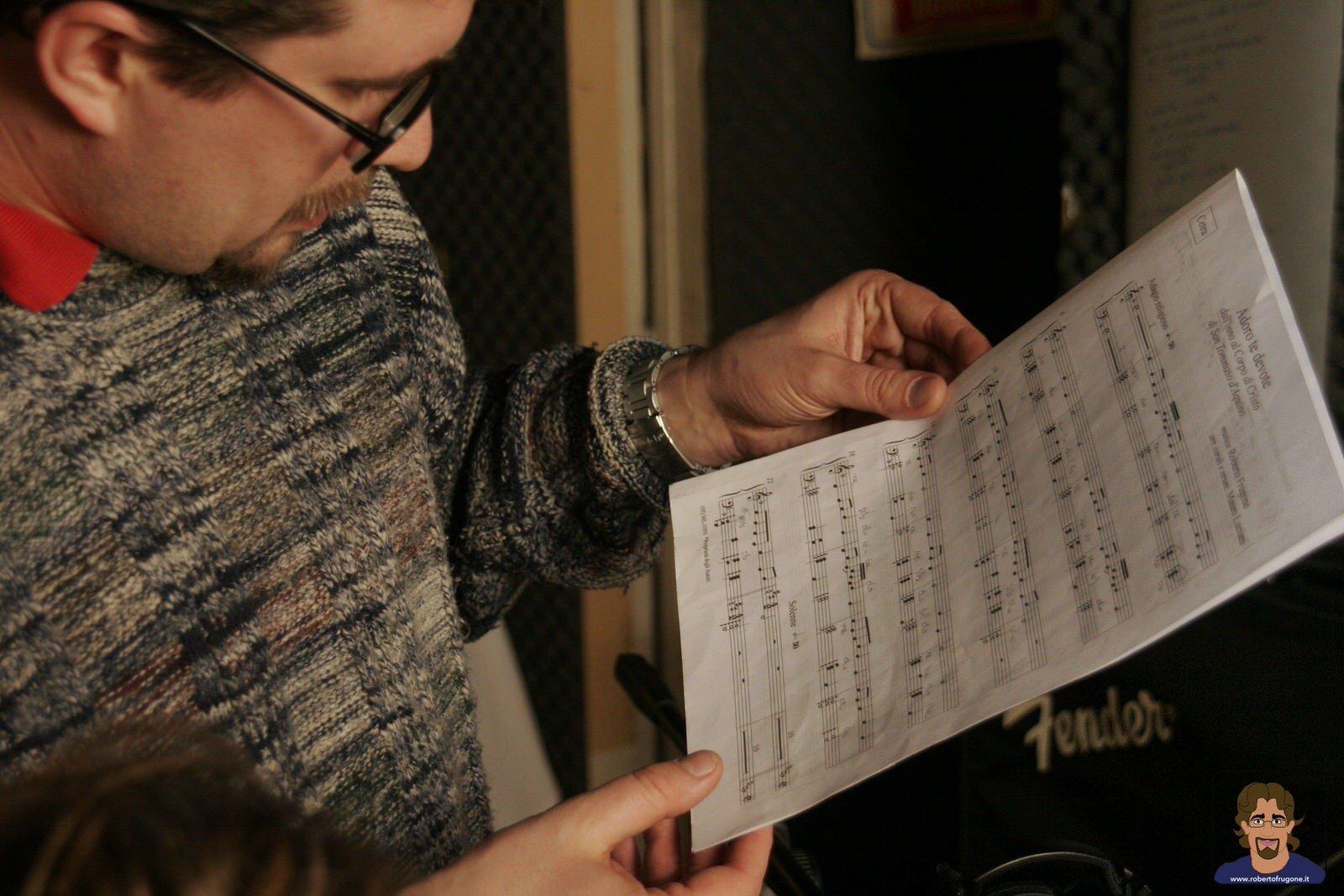 Totem Studio Sala Prove Musicali Casarza Ligure Roberto Frugone spartito – foto Lamberto Salvan