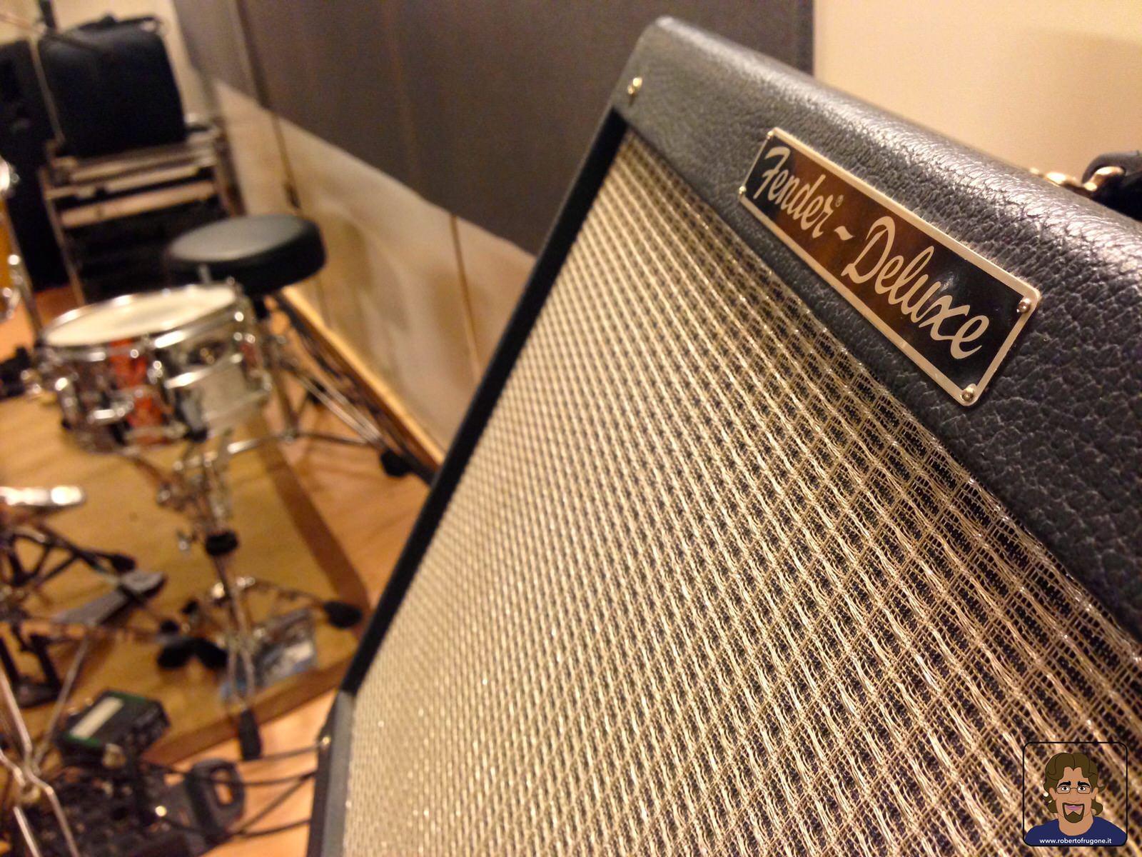 Totem Studio Sala Prove Musicali Casarza Ligure amplificatore Fender Deluxe