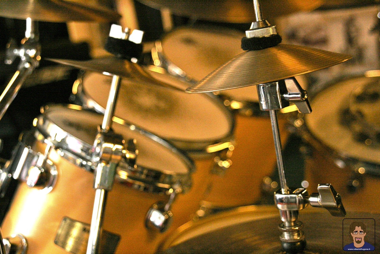 Totem Studio Sala Prove Musicali Casarza Ligure batteria – foto Lamberto Salvan