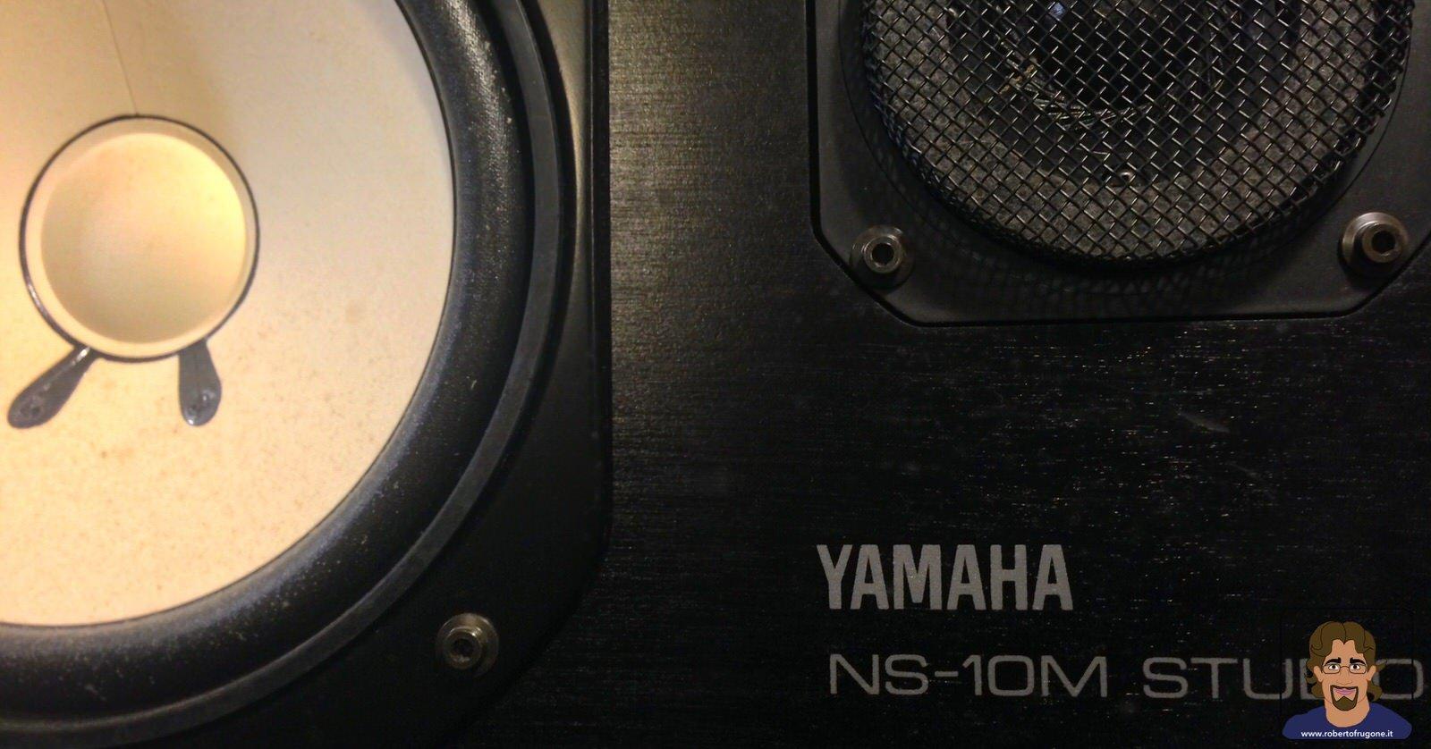 Totem Studio Sala Prove Musicali Casarza Ligure cassa Yamaha NS-10M studio