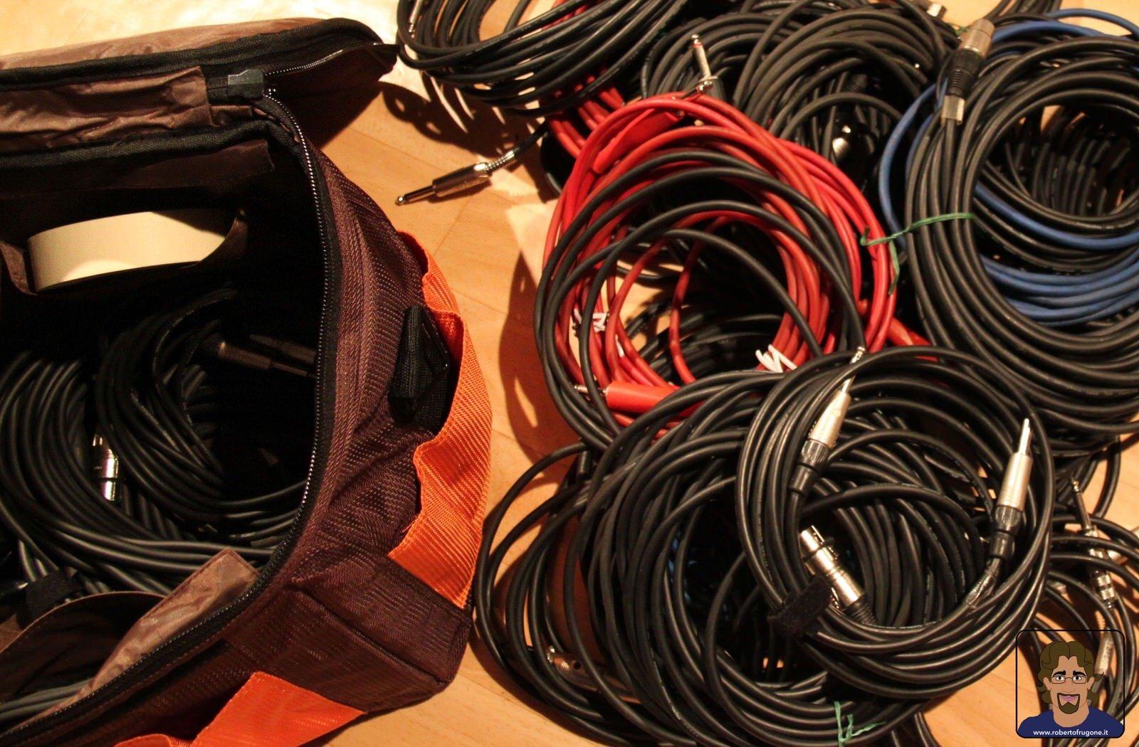 Totem Studio Sala Prove Musicali Casarza Ligure cavi audio