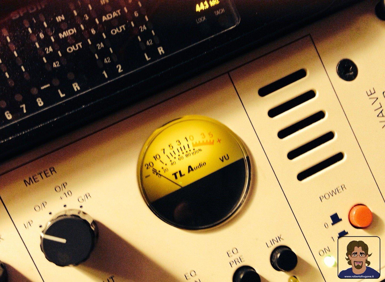 Totem Studio Sala Prove Musicali Casarza Ligure preamplificatore TL Audio