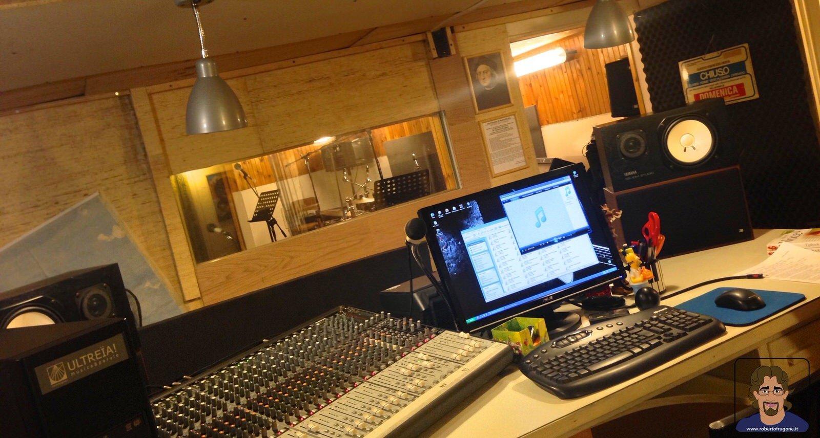 Totem Studio Sala Prove Musicali Casarza Ligure regia mixer