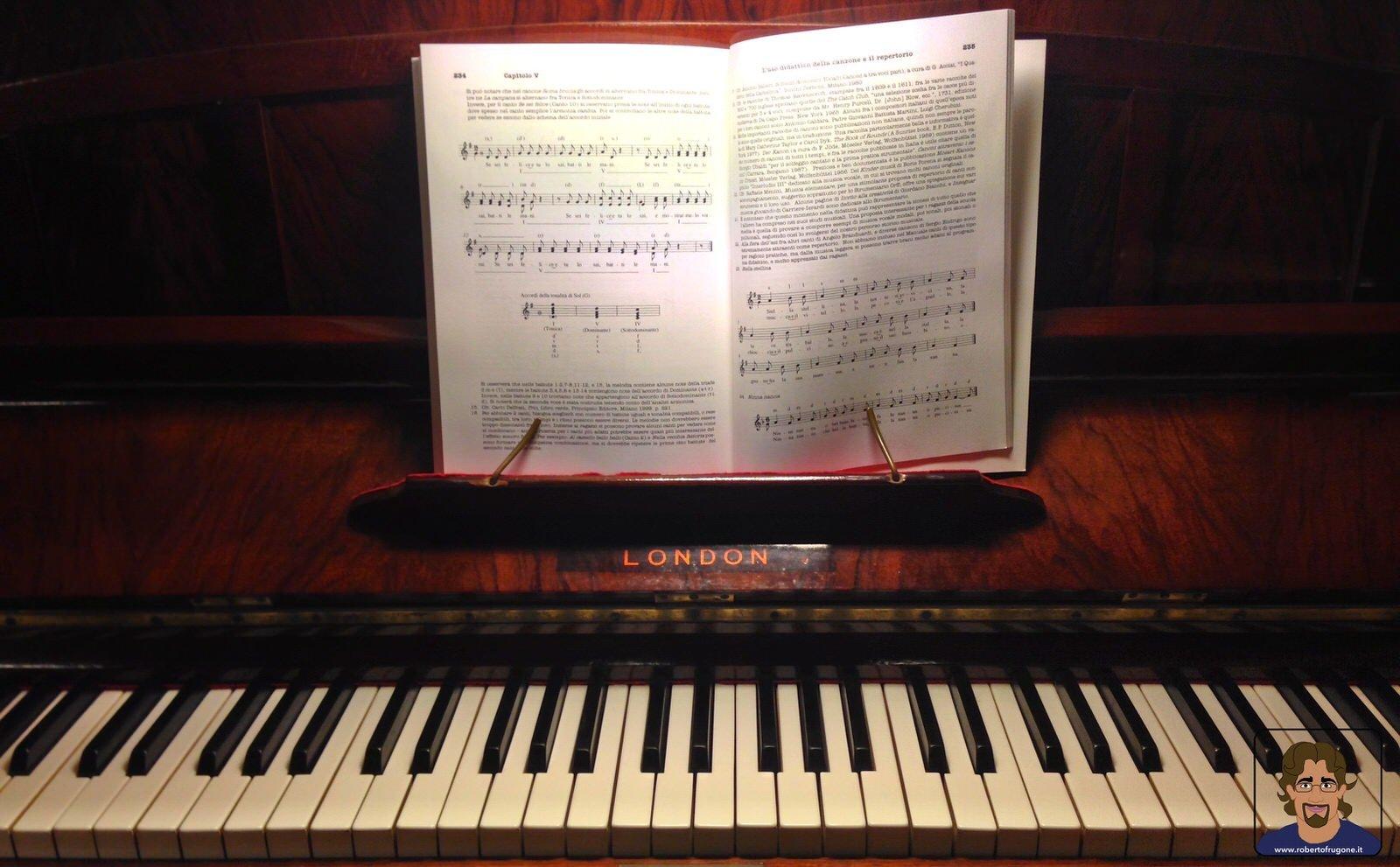 Totem Studio Sala Prove Musicali Casarza Ligure spartito pianoforte