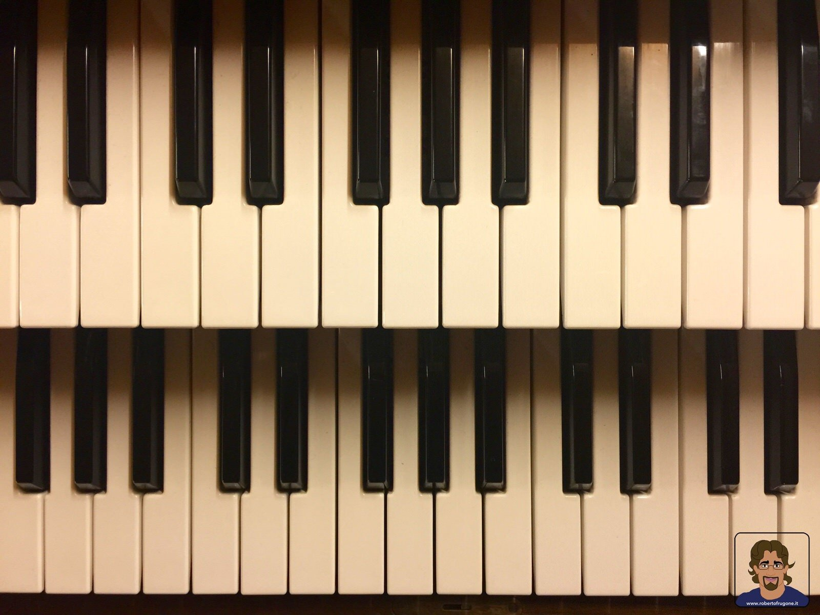 Totem Studio Sala Prove Musicali Casarza Ligure tastiere