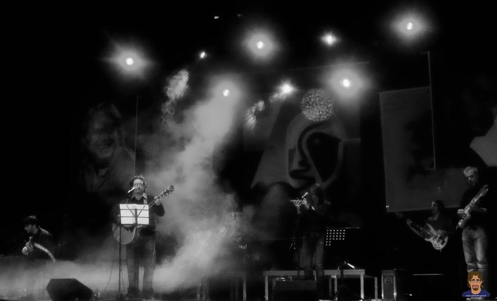 Roberto Frugone Band cantautore live concerto Chiavari Teatro Cantero 01