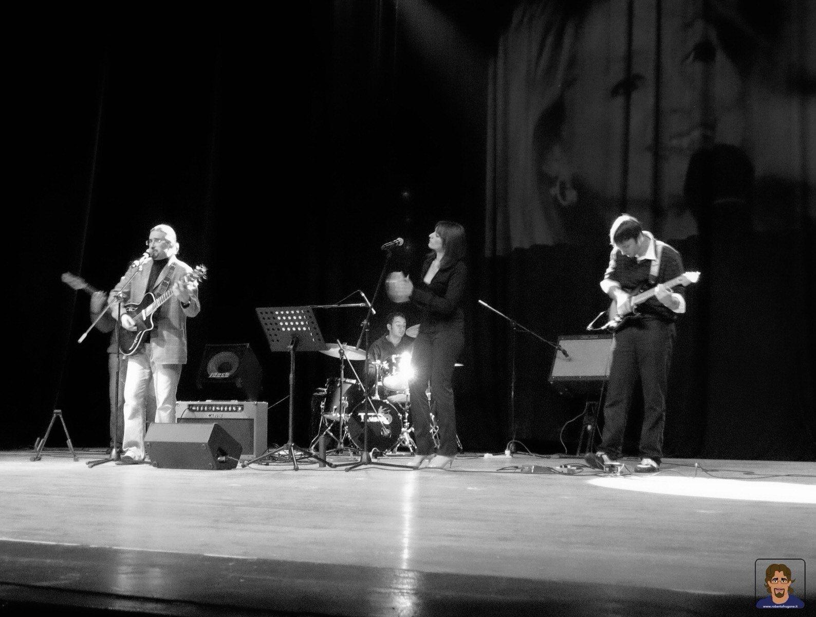 Roberto Frugone Band cantautore live concerto Chiavari Teatro Cantero 02