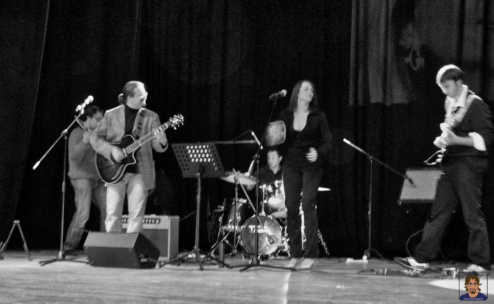 Roberto Frugone Band cantautore live concerto Chiavari Teatro Cantero 03