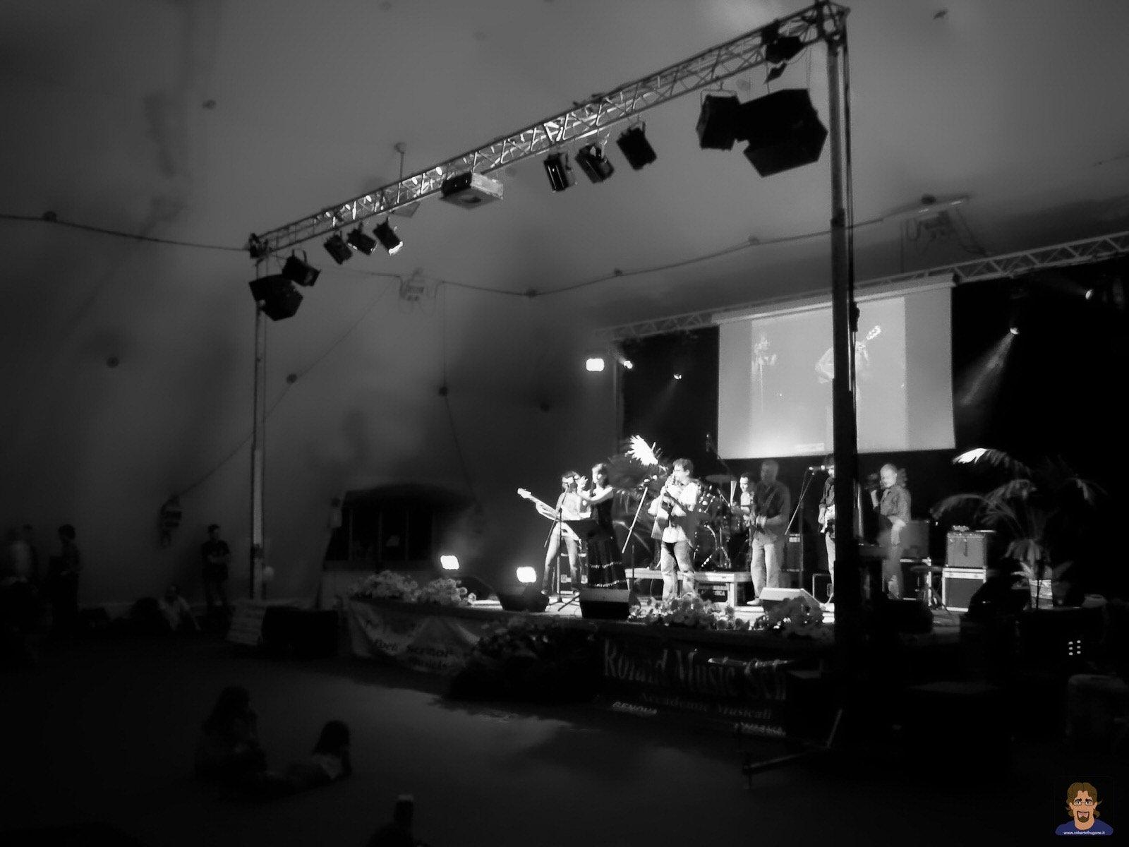 Roberto Frugone Band cantautore live concerto Expo Fontanabuona 02