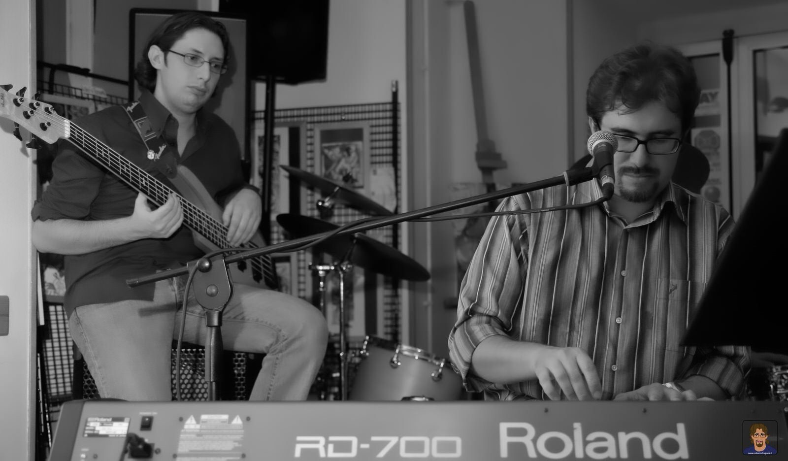 Roberto Frugone Band cantautore live concerto Genova Berio Cafè 02