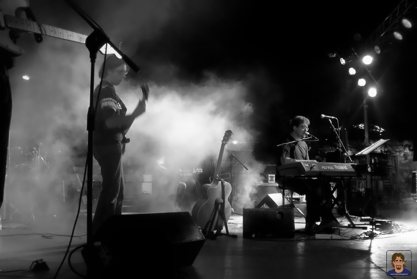 Roberto Frugone Band cantautore live concerto Grosseto