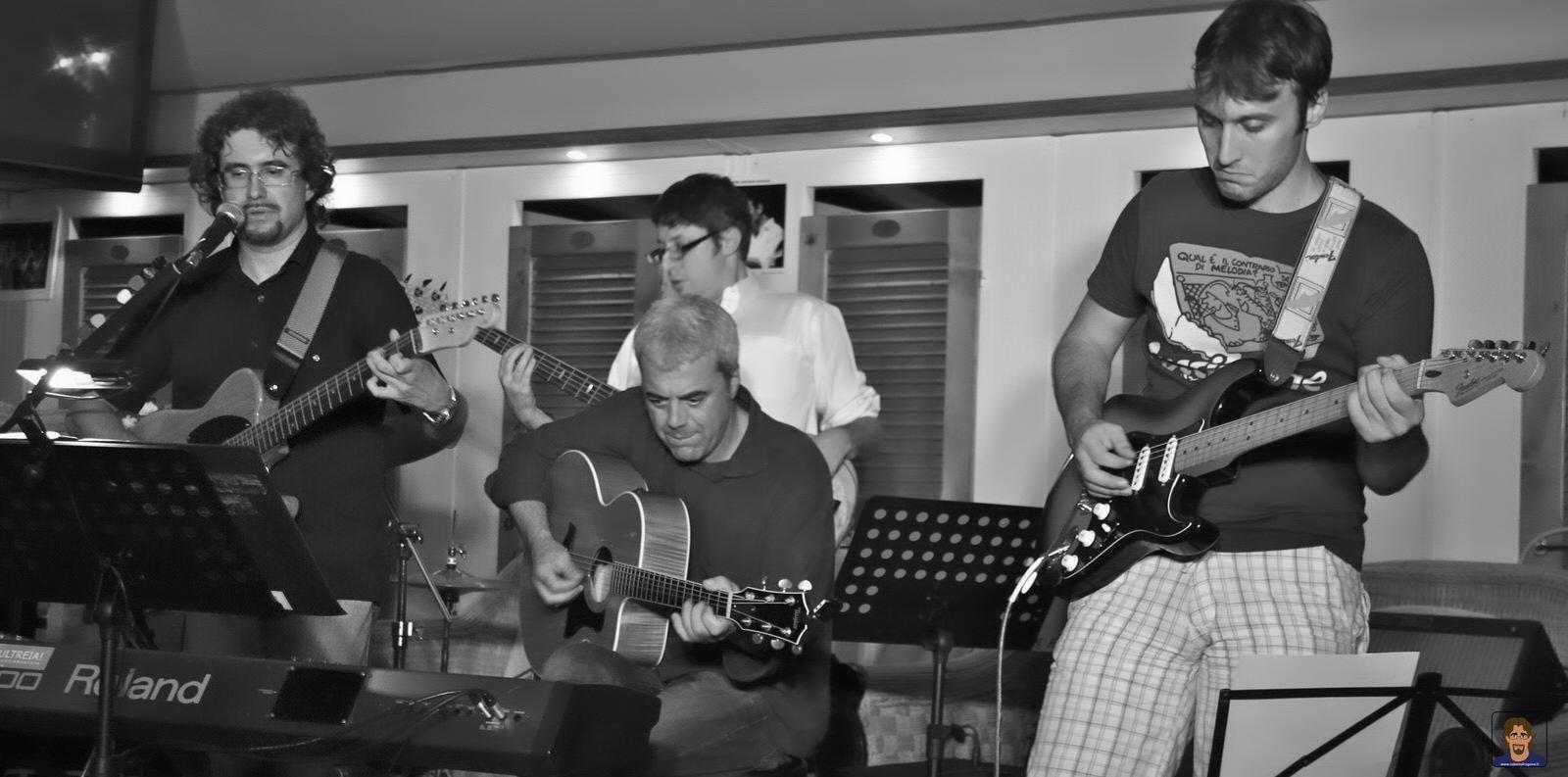 Roberto Frugone Band cantautore live concerto Lavagna 03