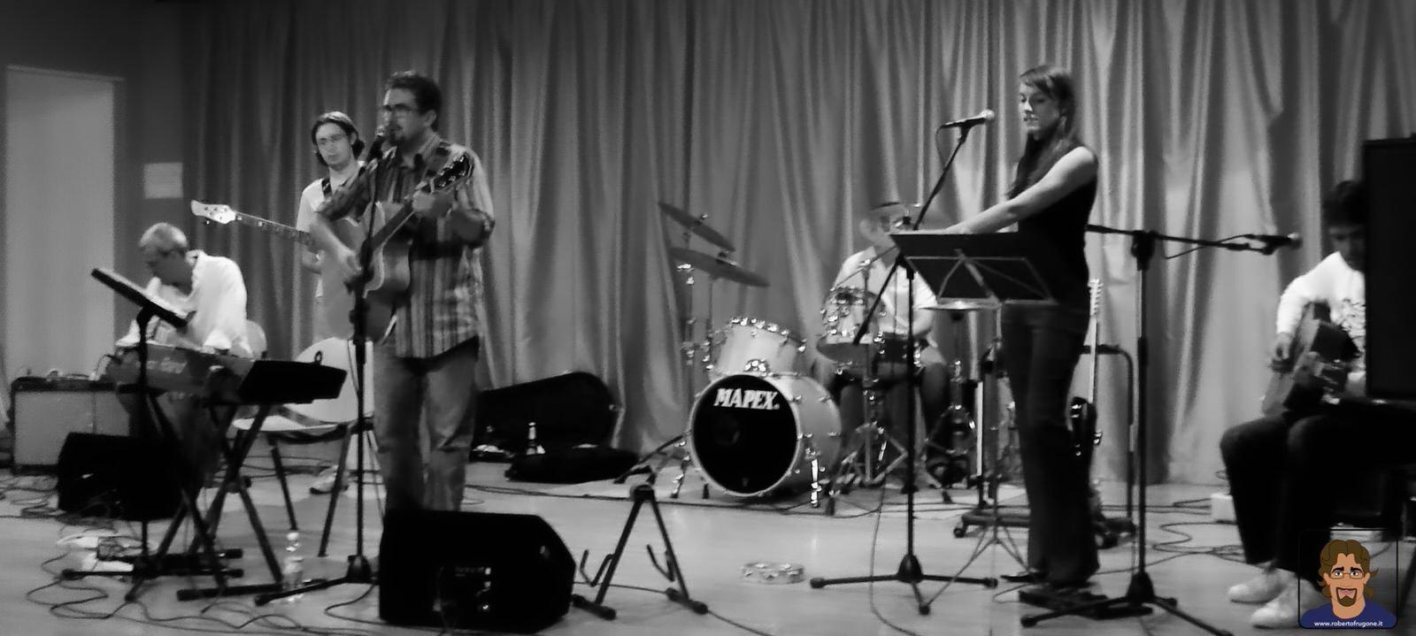 Roberto Frugone Band cantautore live concerto Sestri Levante Lavagnina