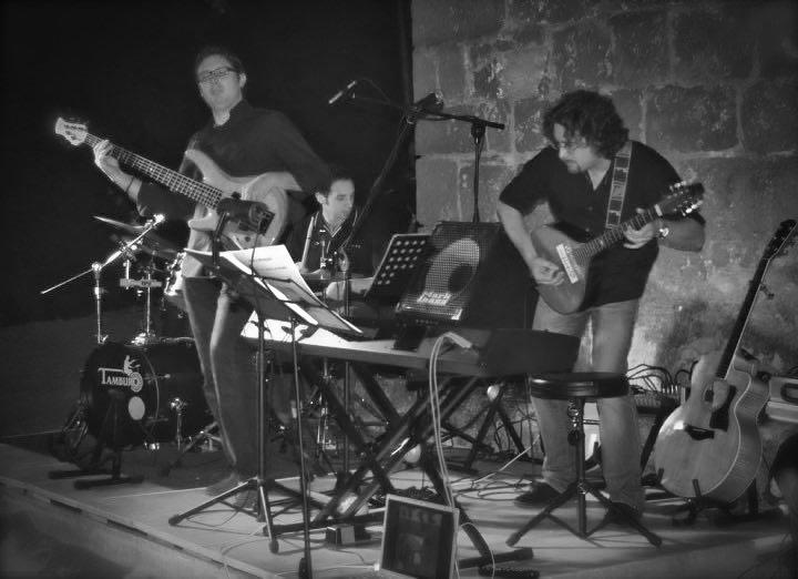Roberto Frugone cantautore reading Il gallo la luna e la paura Casarza Ligure 01