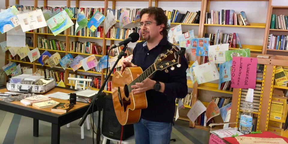 Parole per musica – Incontro con il cantautore Roberto Frugone Gattorna 2017.05.20 02