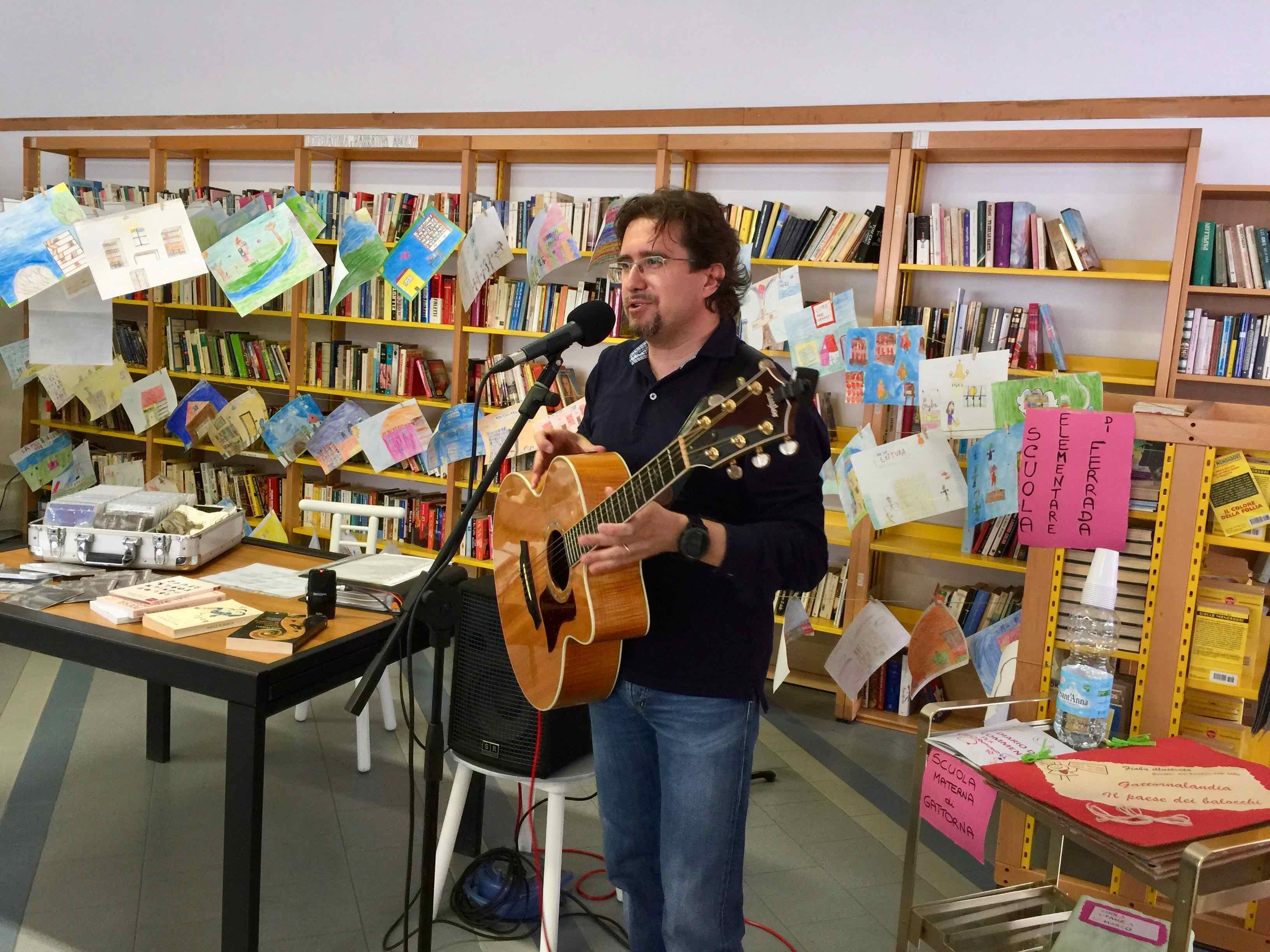 Parole per musica - Incontro con il cantautore Roberto Frugone Gattorna 2017.05.20 02