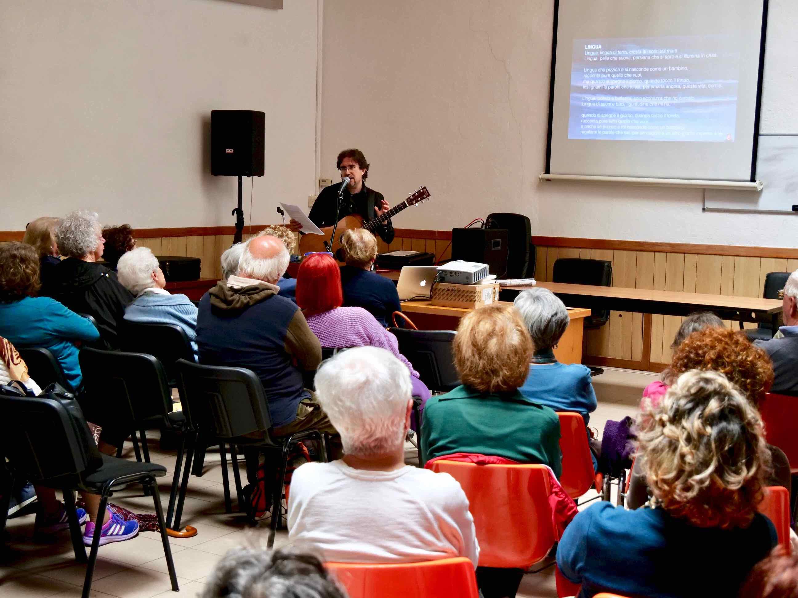 Canzoni e Liguritudine - Incontro con il cantautore Roberto Frugone